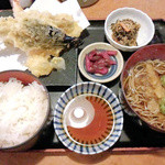 22610575 - ランチ 天定500円 天ぷらは海老、竹輪、キス、茄子