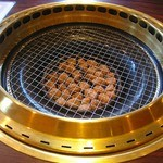 焼肉迎賓館 爛燈 - 石焼き お肉を焼きます