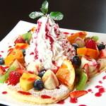 エリッサメイラ - もりもりフルーツパンケーキ