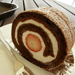 2262513 - 苺ロールケーキ