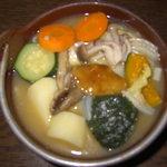 峯の茶屋食堂 - 料理写真:甲州名物 ほうとう(秋限定、天然キノコ入り)