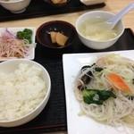 中国四川料理 仁 - 日替わりランチ、海鮮ビーフン