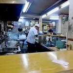 ラーメン専門店 和 - 深夜の厨房なれど大忙し!