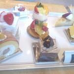 22623773 - ケーキはコチラの中からチョイス!