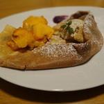 So - 柿と紫芋のクレープ