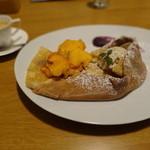 So - 柿と紫芋のクレープとエスプレッソ