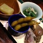 22628217 - 枝豆の当座煮・小松菜のお浸し・つぶ貝のうま煮・みょうがの天ぷら・落花生の豆腐
