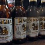 タイ屋台居酒屋 マリ - 全員シンハーを注文