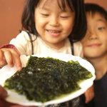 八芳亭 - 焼き海苔、380円。撮る間もなくみうたんに取られました……。