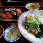22633572 - 鮪づくしと、冷鶏節蕎麦セット☆980円☆