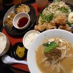 22636145 - 麺&餃子&唐揚げセット(麺をたんたん麺に変更)1300円