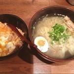 22637590 - Cランチ 比内地鶏のミニ親子丼と特製らーめんセット(塩味)