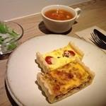 Cafe Soi - キッシュセット(お好みのキッシュ2個とサラダとスープ)
