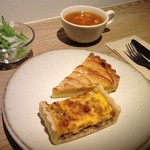 Cafe Soi - キッシュ&タルトセット(お好みのキッシュとタルトとサラダとスープ)