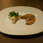 オステリア・アウストロ - 大山地鶏和え物、芝エビのフリット
