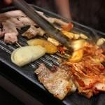 炭火焼肉 じゃんぼ - サムギョプサル