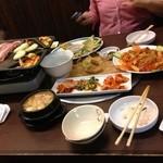 炭火焼肉 じゃんぼ - サムギョプサル食べ放題
