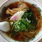 一福食堂 - 醤油ラーメン530円