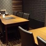薩摩焼肉 黒桜 - 半個室のような部屋(6人掛け×2)~♪(^o^)丿
