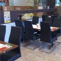 ヴォーノ・イタリア - 6名様席を5テーブル用意しております。