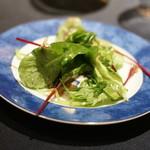 鴨の赤ワイン煮込みと茸のパイ包み焼き ~ハーブサラダ添え~ 2013年11月