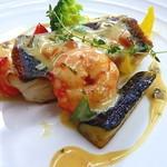 22653986 - 白身魚料理