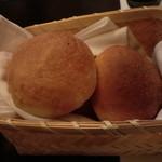 料理酒家 九良左衛門 - 自家製パン
