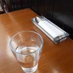 FU DINING - 卓上