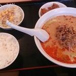 風味定食屋 - 担々麺定食