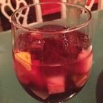 LA SALSA - ホームメイド・サングリア (赤ワインにたくさんのフルーツを漬け込んだフルーティワイン!) 2,200円