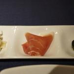 マヌエル・カーザ・デ・ファド - 前菜三種(イカマリネ、生ハム、オリーブ2種)
