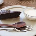 chouchou - デザートは共通です♪胡麻のチーズケーキ☆