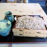 よし乃家 - 料理写真:もりそば、二枚で出てきました。1000円。2枚目は食感落ちると思いました。