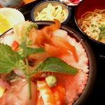 2267209 - 海鮮丼大盛