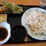 はなさきや - 料理写真:野菜天うどn(\600)