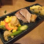 22674378 - 季節のお惣菜・肴の三寸盛り