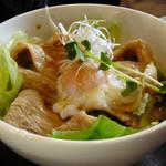 丸太小屋レストラン  びんずる - 生姜焼き丼