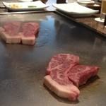 teppanyakiatago - 迫力のお肉たち!