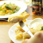 フットニック - 当店自慢のフィッシュ&チップスはお熱いうちにどうぞ。アツアツ、サクサク♪