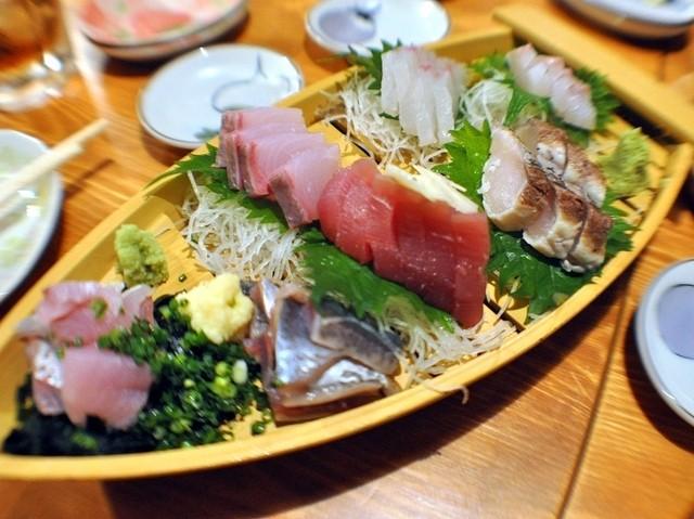 魚猫 大山店 - 5点盛り@実際は8点盛りですよ~!