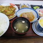 緑や食堂 - 豚肉カレー炒め定食