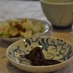 深瀬屋 - 料理写真:お茶と一緒に★名物のからし椎茸&漬物は白菜