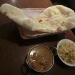 インドキッチンレストラン - インドキッチンレストランAセット 690円ターリーに載ってません