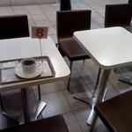 cafe Copana - テーブル席
