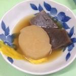 河口酒店 - 料理写真:おでん各種(110円)