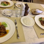 金谷 - ライスと伊賀牛もも肉の薄切りソテー ストロガノフ風:1575円
