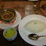 22689769 - ポークカレー、プレーンライス、スープ