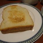 22691115 - 食パンはもう1枚お代わりでくるよぉ