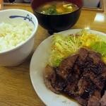 松屋 - トンテキ定食630円+とん汁100円