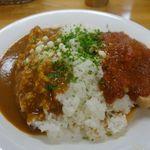 カレー屋 小松 - チキンカレー 800円 + ライスソース大盛 200円